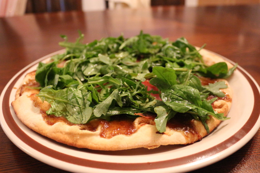 Fig, Proscuitto and Arugula Pizza