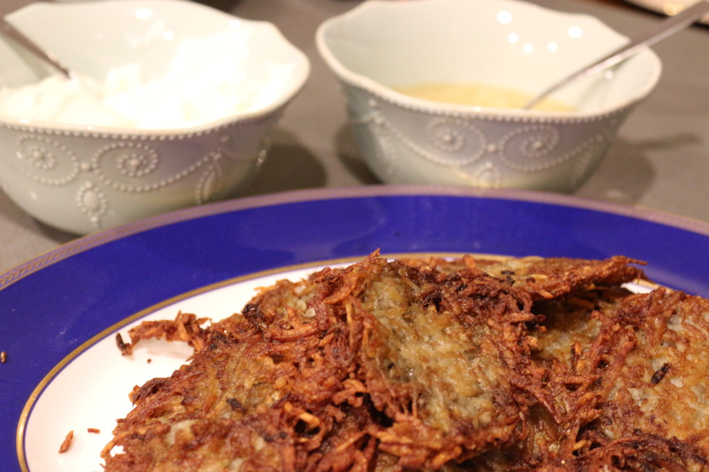 Latkes with Sour Cream and Apple Sauce